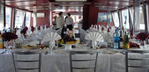 teplohod dlia svad`by` stat`i